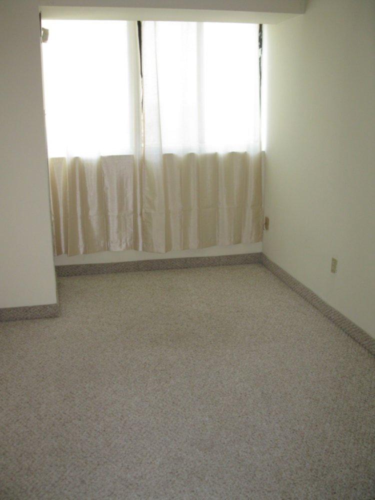 apartment-20160906T123210-0036.JPG